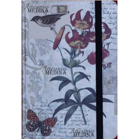 Libreta pájaro y ramo de flores